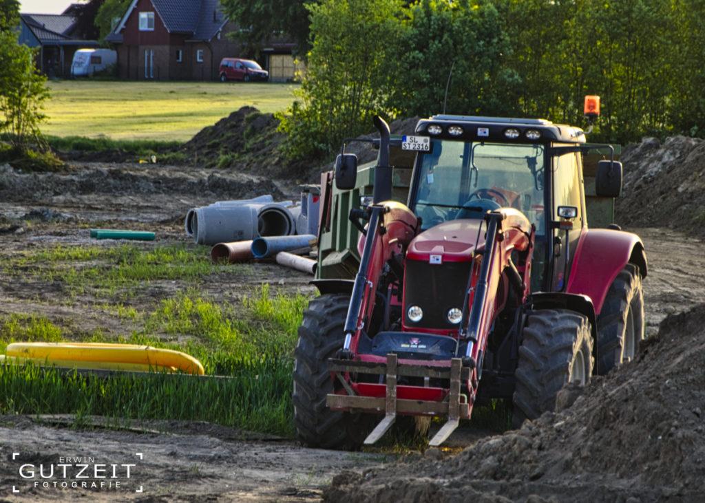 Traktor auf Baustelle